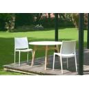 Lot de 2 chaises design Tessa blanche et table ambiance