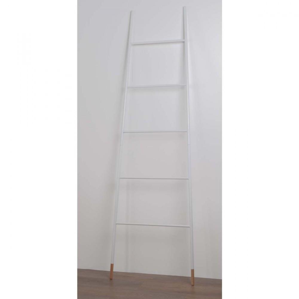 porte manteaux ou magazines ladder rack zuiver. Black Bedroom Furniture Sets. Home Design Ideas