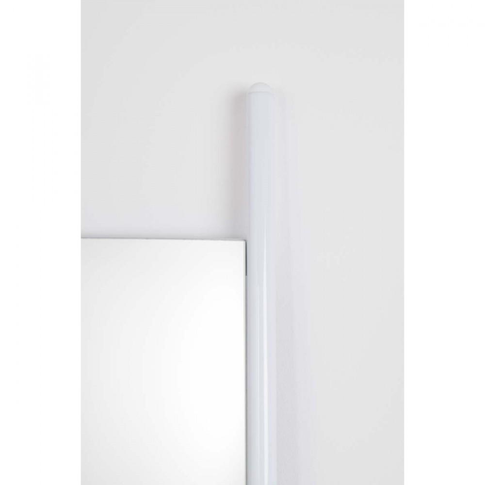 Miroir sur pied blanc ladder par for Miroir blanc sur pied