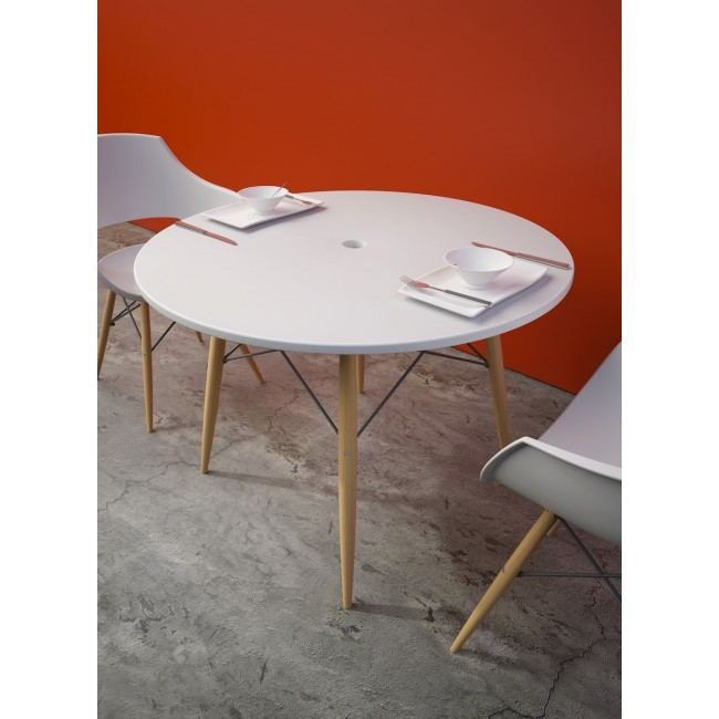 Table design ronde Skoll blanche photo ambiance