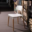 Lot de 2 chaises design Glamwood blanches ambiance