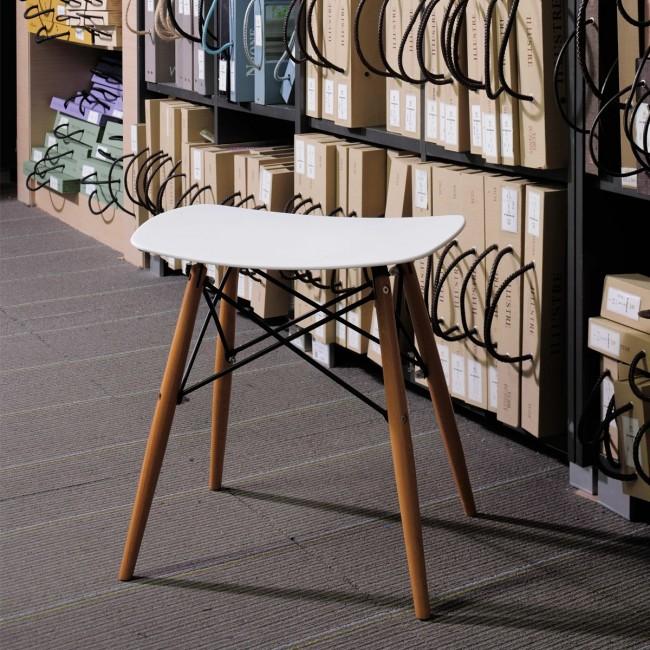 Tabouret design Skoll blanc