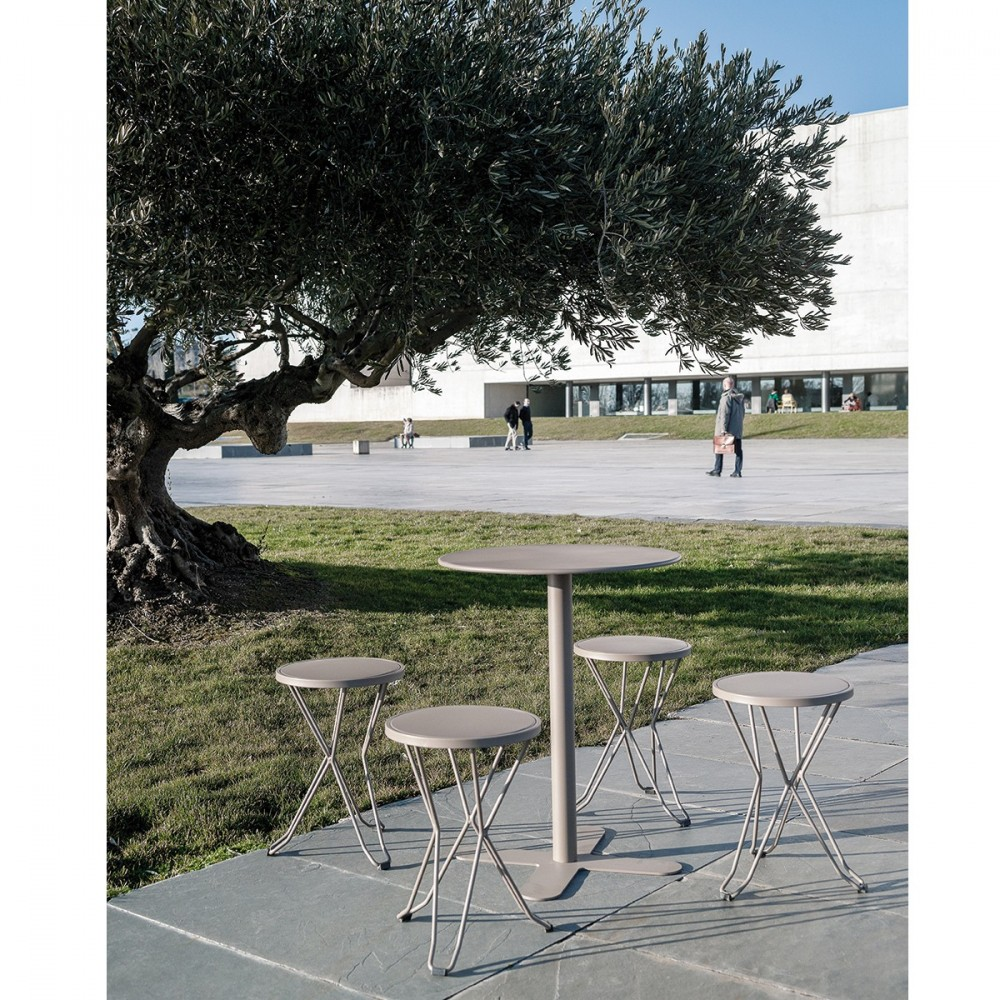 Table haute jardin design des id es int ressantes pour la conception de des Table haute jardin design