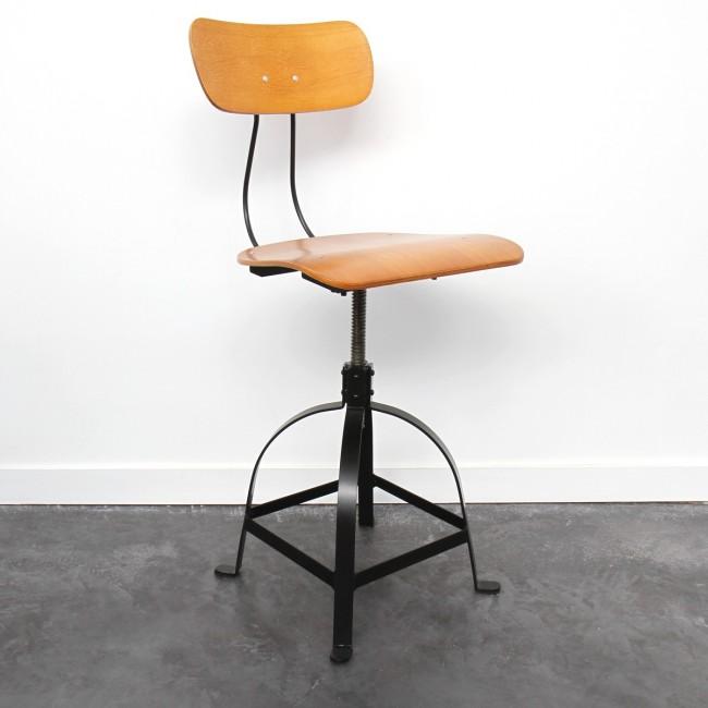 Chaise industrielle architecte JB Pennel