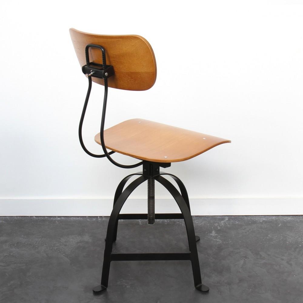 Chaise industrielle architecte jb pennel drawer for Hauteur d une chaise