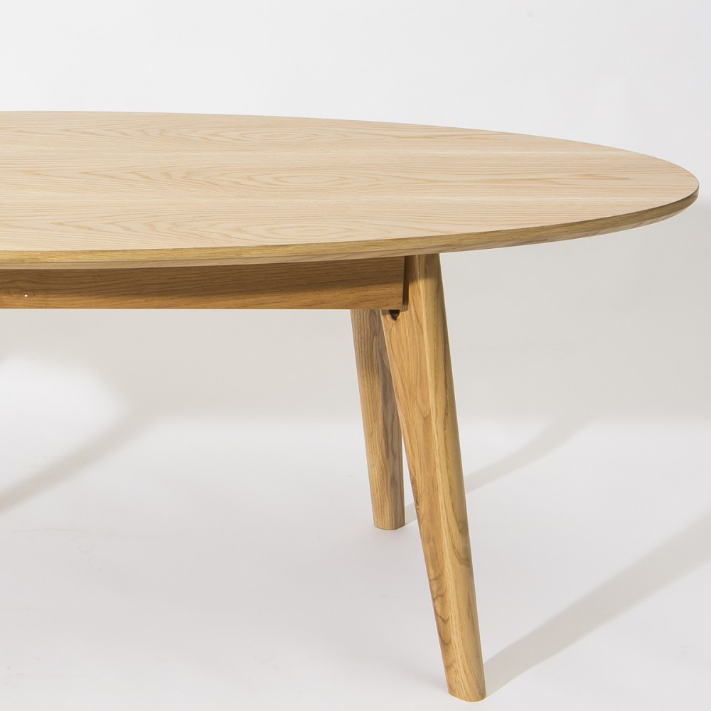 Table basse ovale design scandinave skoll couleur blanc for Table basse scandinave but