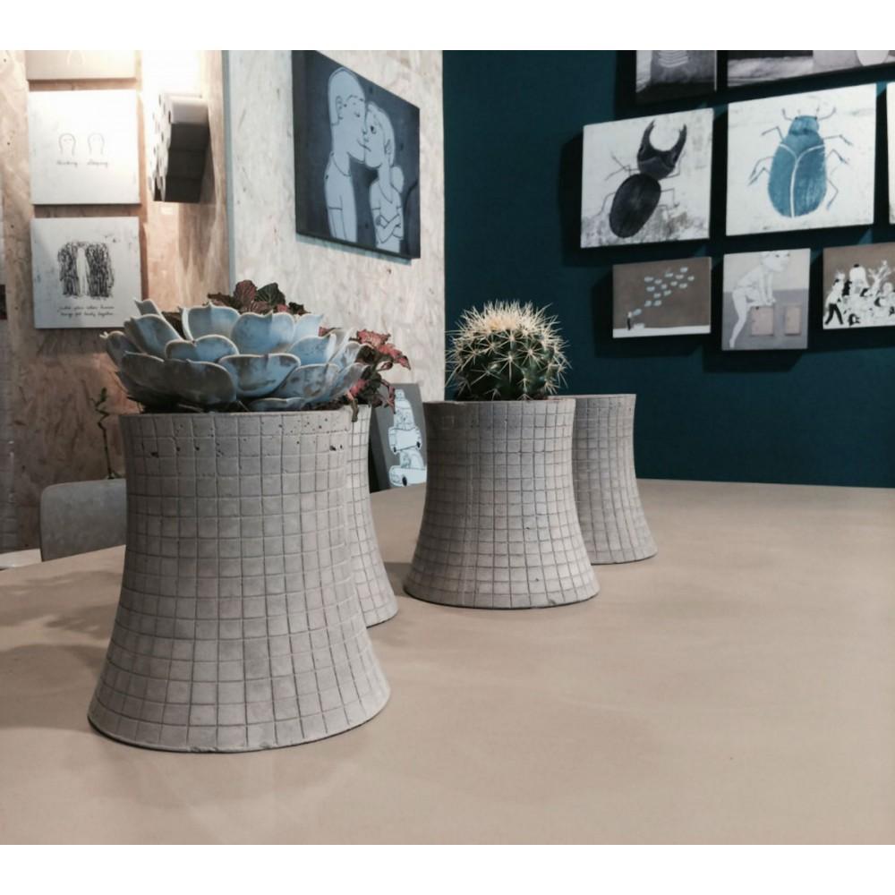 grand cache pot design en b ton nuclear plant xl by. Black Bedroom Furniture Sets. Home Design Ideas