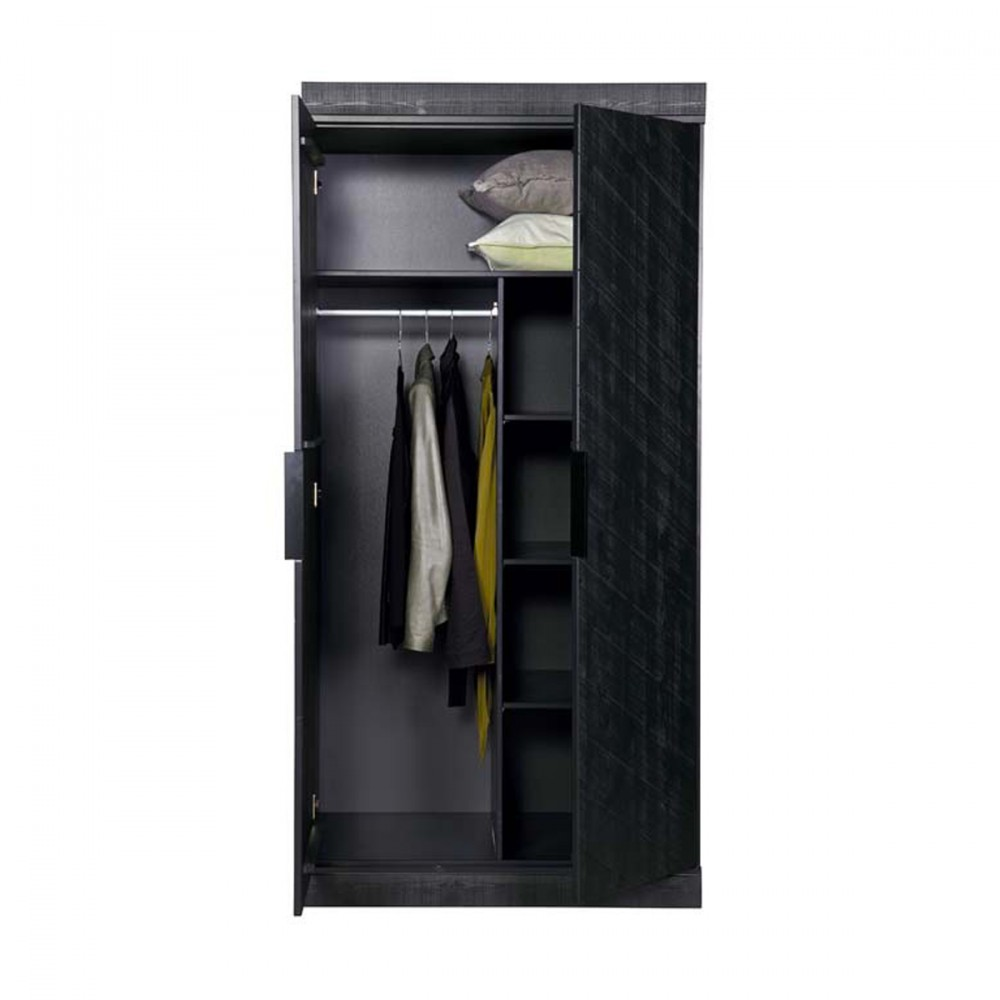 Am nagement interieur chevron armoire sans tiroirs par for Amenagement interieur armoire