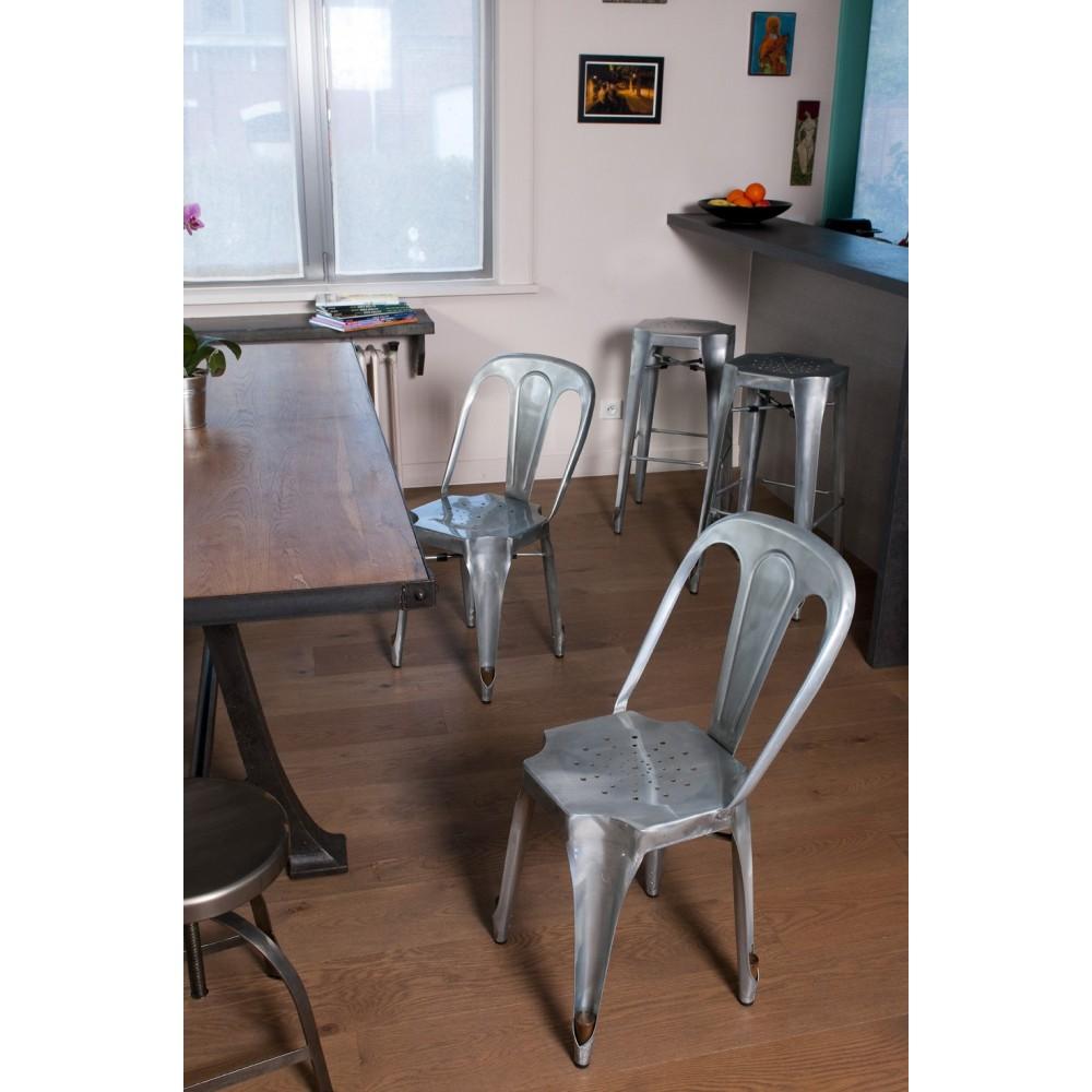 chaise bistro type tolix strong en m tal de drawer. Black Bedroom Furniture Sets. Home Design Ideas