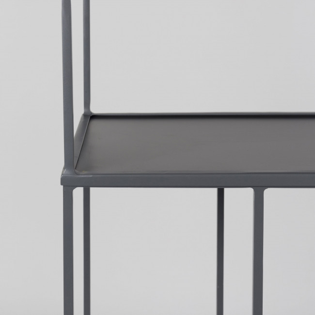 Etagère en métal gris Son Zuiver détails 1