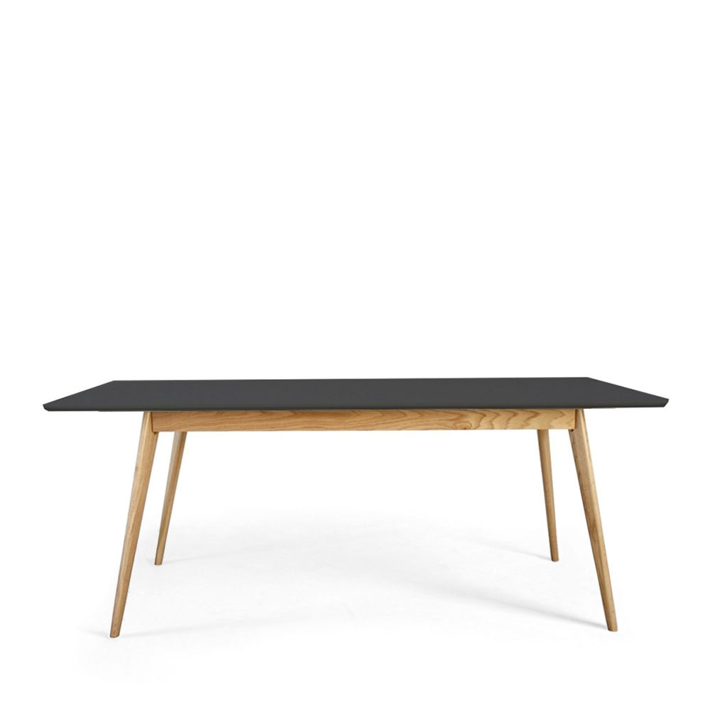 Table manger scandinave en bois skoll by drawer for Table a manger blanche design