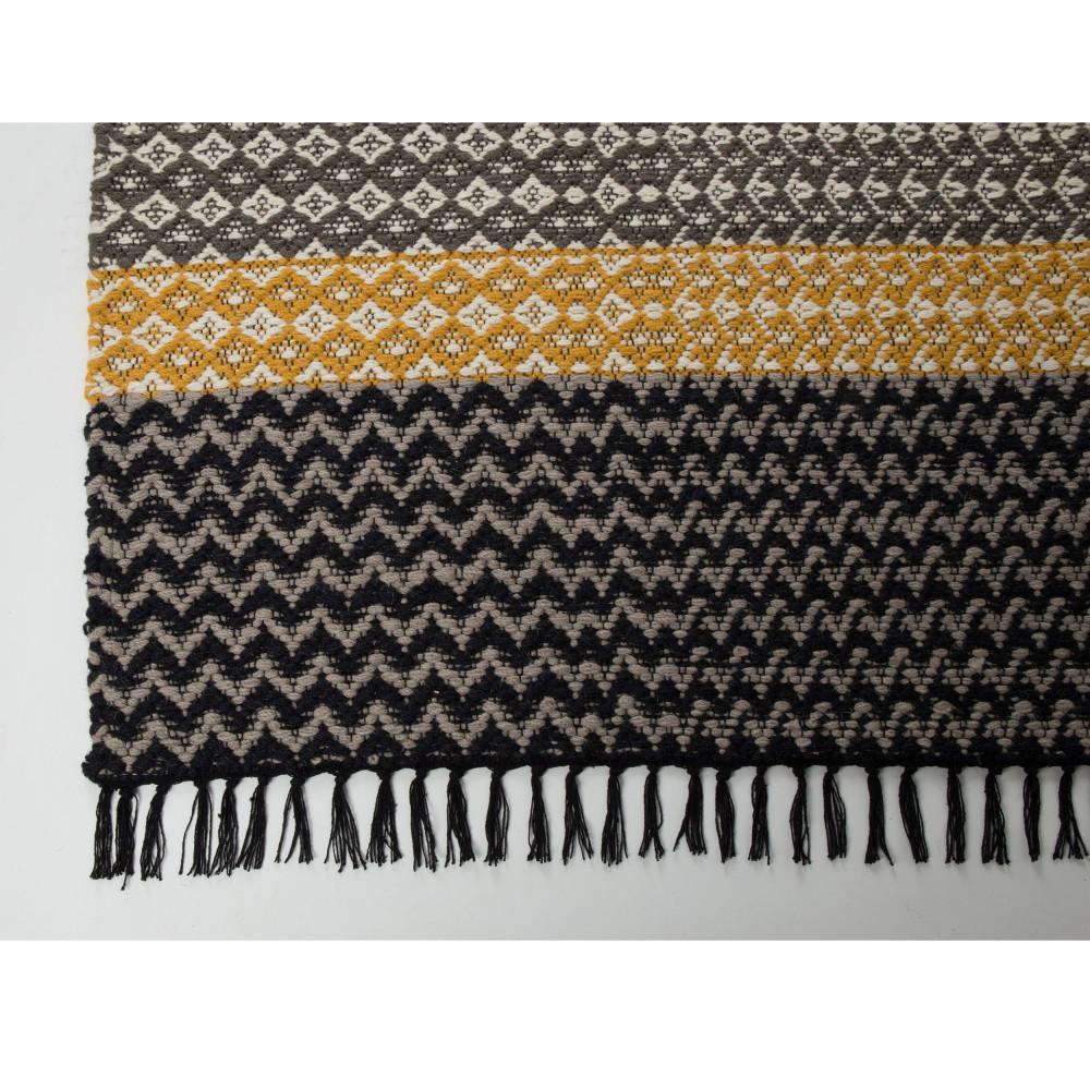tapis design moose drawer. Black Bedroom Furniture Sets. Home Design Ideas