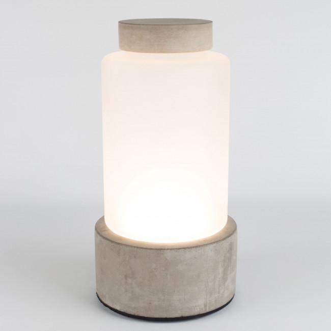 Vase design en béton Reina M Zuiver