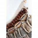 Manggar - Collier de coquillages sur pied