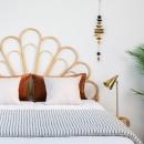 Tête de lit design en rotin Singaraja