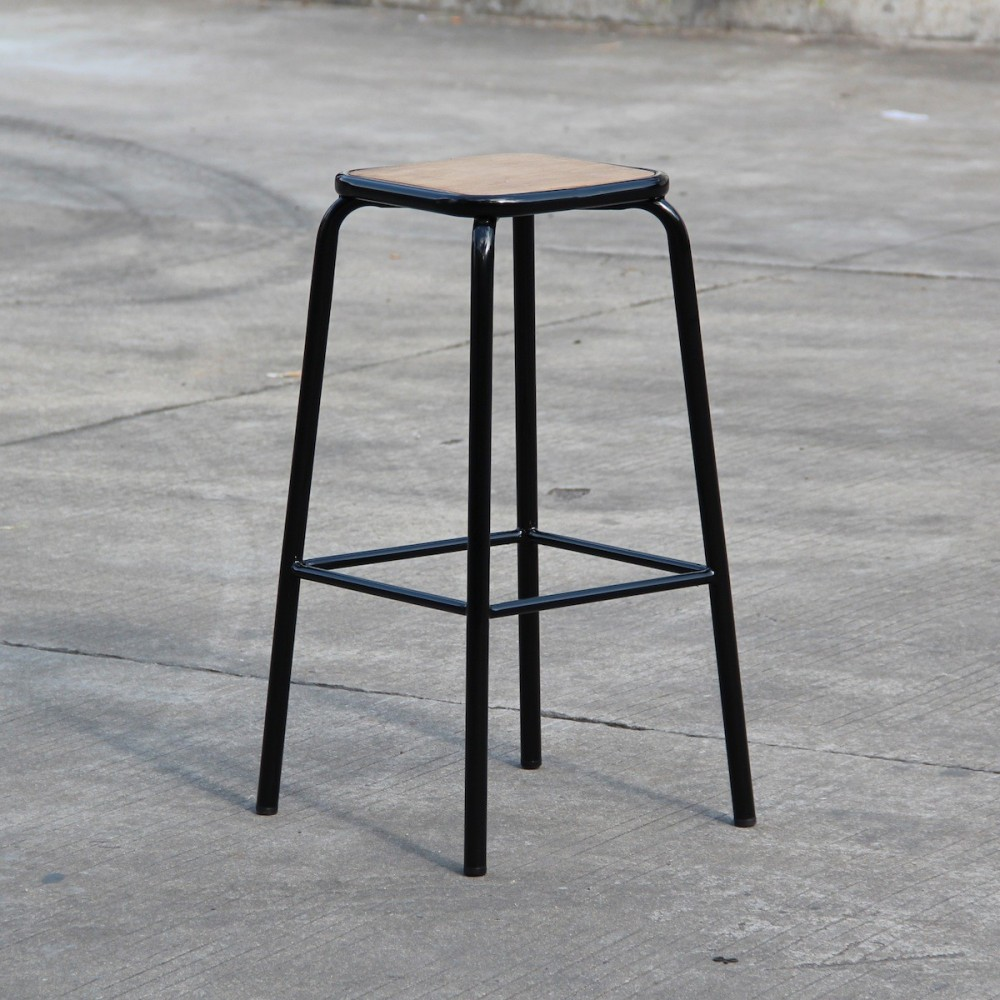 tabouret de bar industriel en m tal et bois maitresse x2. Black Bedroom Furniture Sets. Home Design Ideas