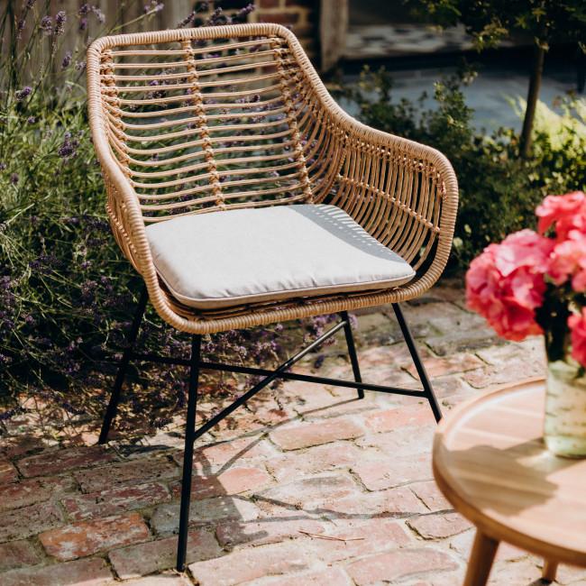 Yenbai - 2 fauteuils de jardin en résine tressée et métal