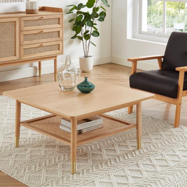 Bombong - Table basse carrée en bois et cannage 80x80cm