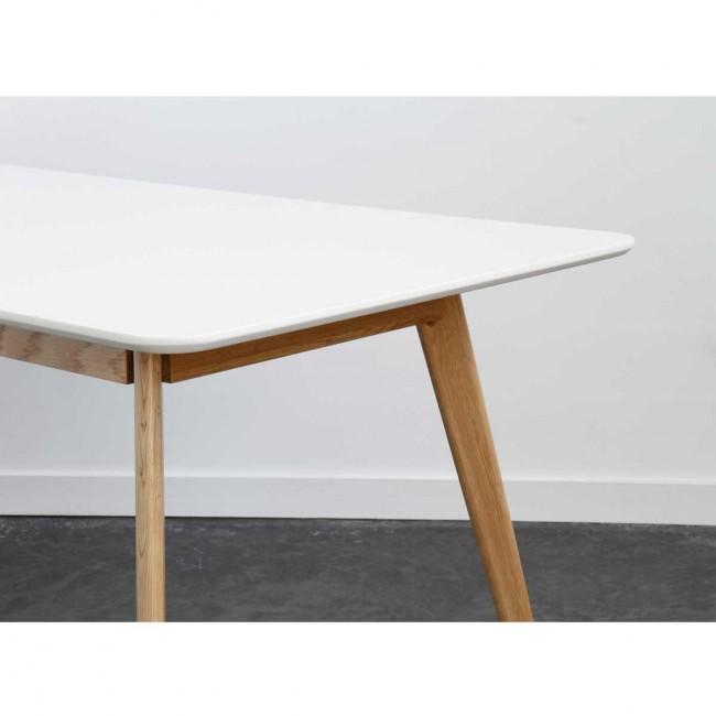 Table à manger design scandinave bois et laque blanche Skoll detail coin