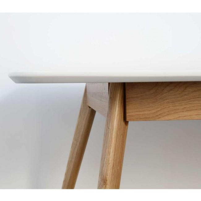 Table à manger design scandinave bois et laque blanche Skoll detail