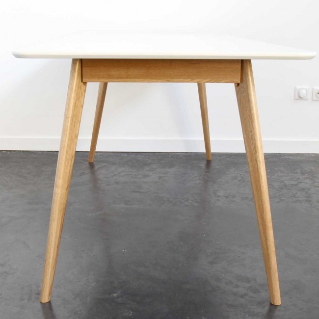 Table à manger design scandinave bois et laque blanche Skoll blanche
